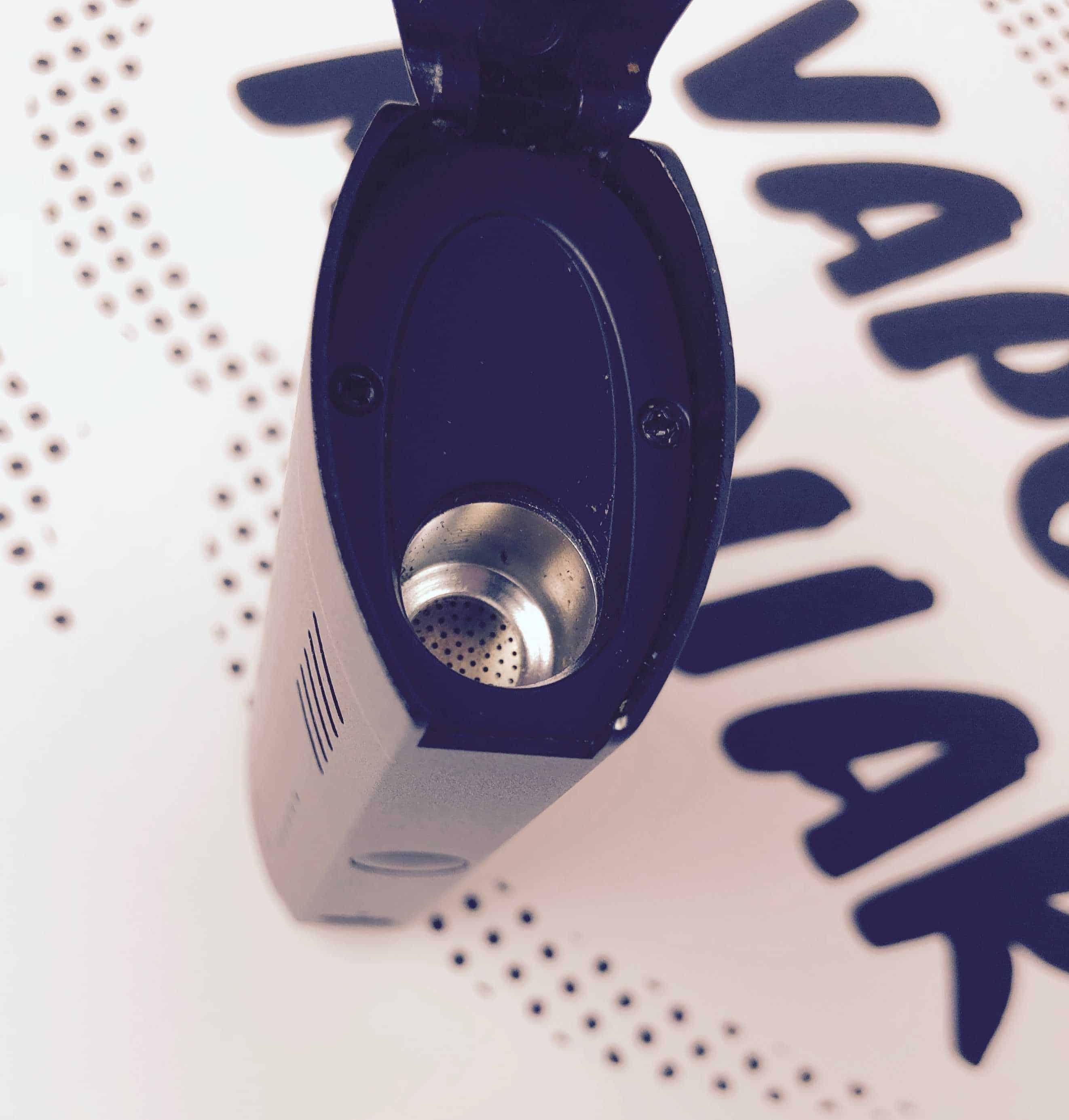 XVape Fog Vaporizer Susz jest ogrzewany przede wszystkim konwekcyjnie, zaś komora jest dość niewielka.
