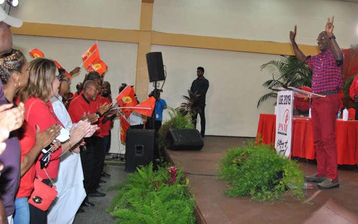 Premier Dr Keith Rowley aktywnie wspiera dekryminalizację marihuany w Trynidadzie.