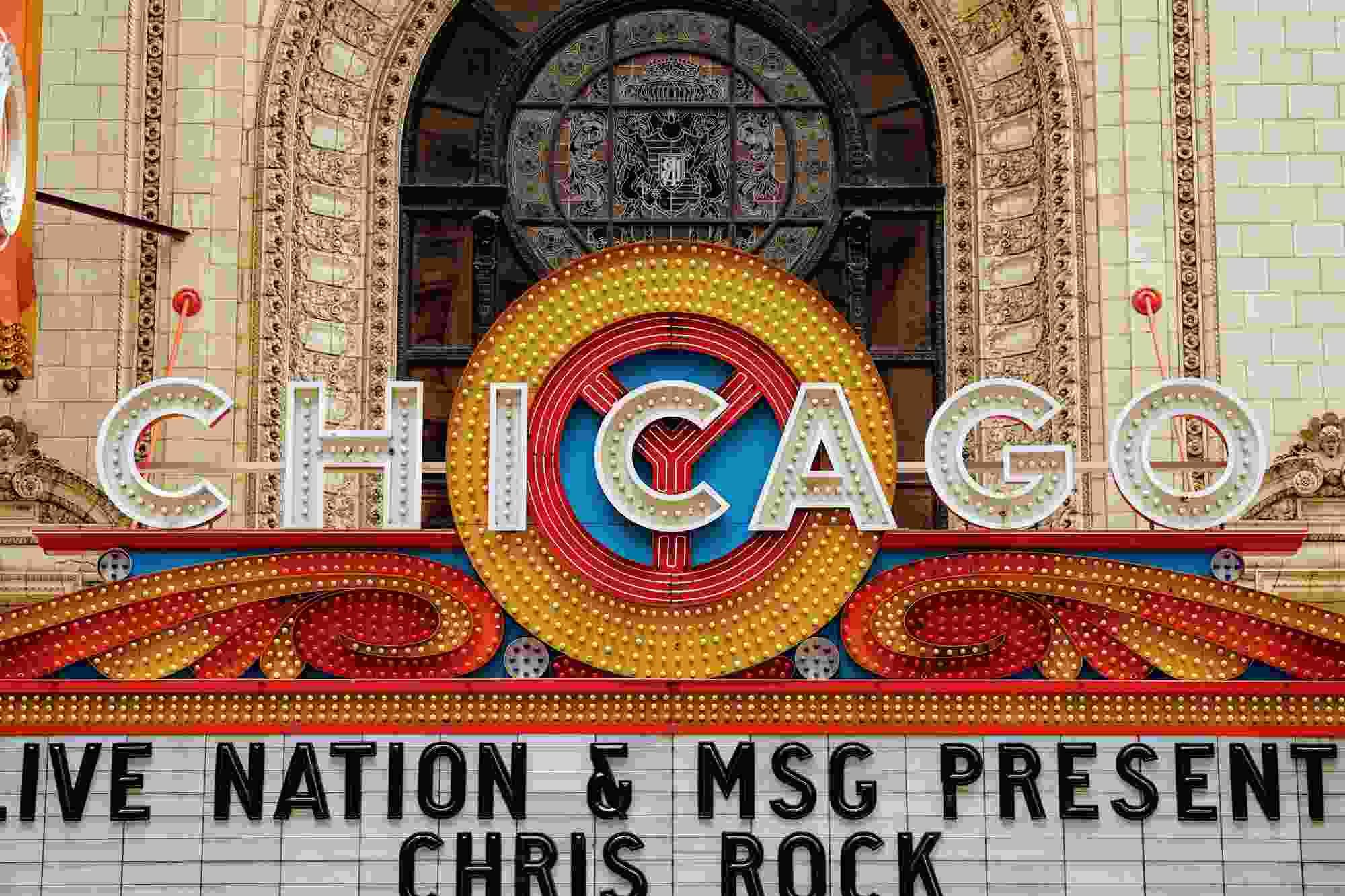 Szyld kina w Chicago
