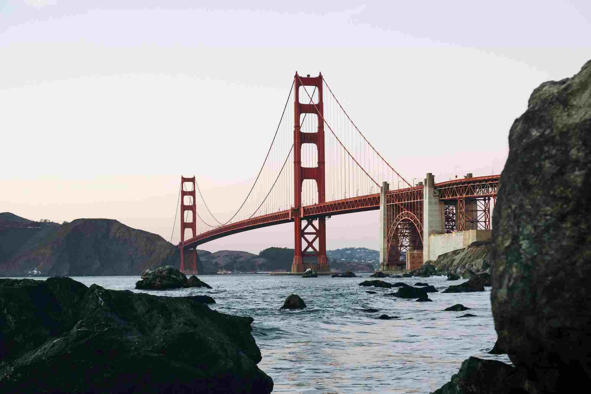 Most Golden Gate w San Francisco.