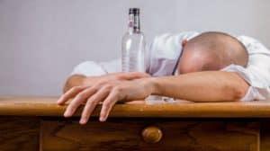Czy CBD pomaga w leczeniu alkoholizmu i chorób psychicznych?