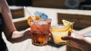 Spada spożycie alkoholu w stanach, gdzie marihuana jest legalna