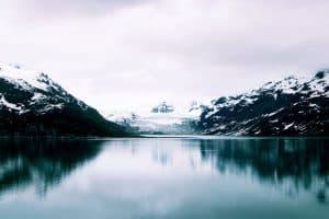 Góry okryte śniegiem
