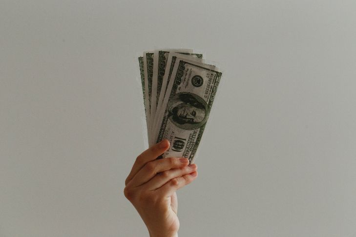 Dolary w ręku