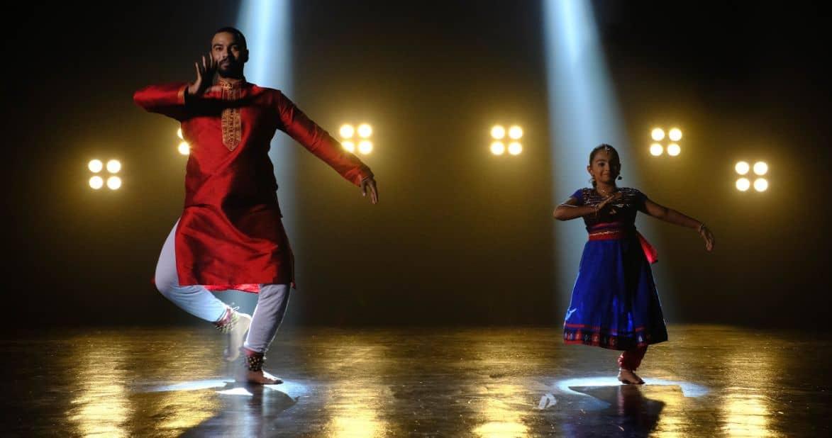 Hinduscy tancerze na scenie