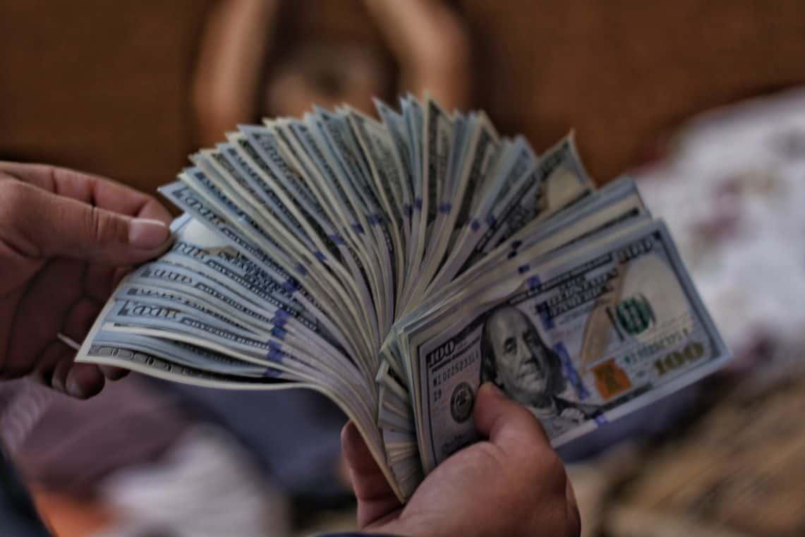 Plik dolarów
