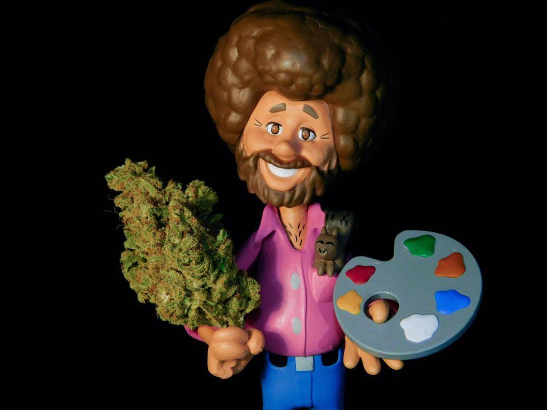 Plastikowy mężczyzna zabawka z marihuaną