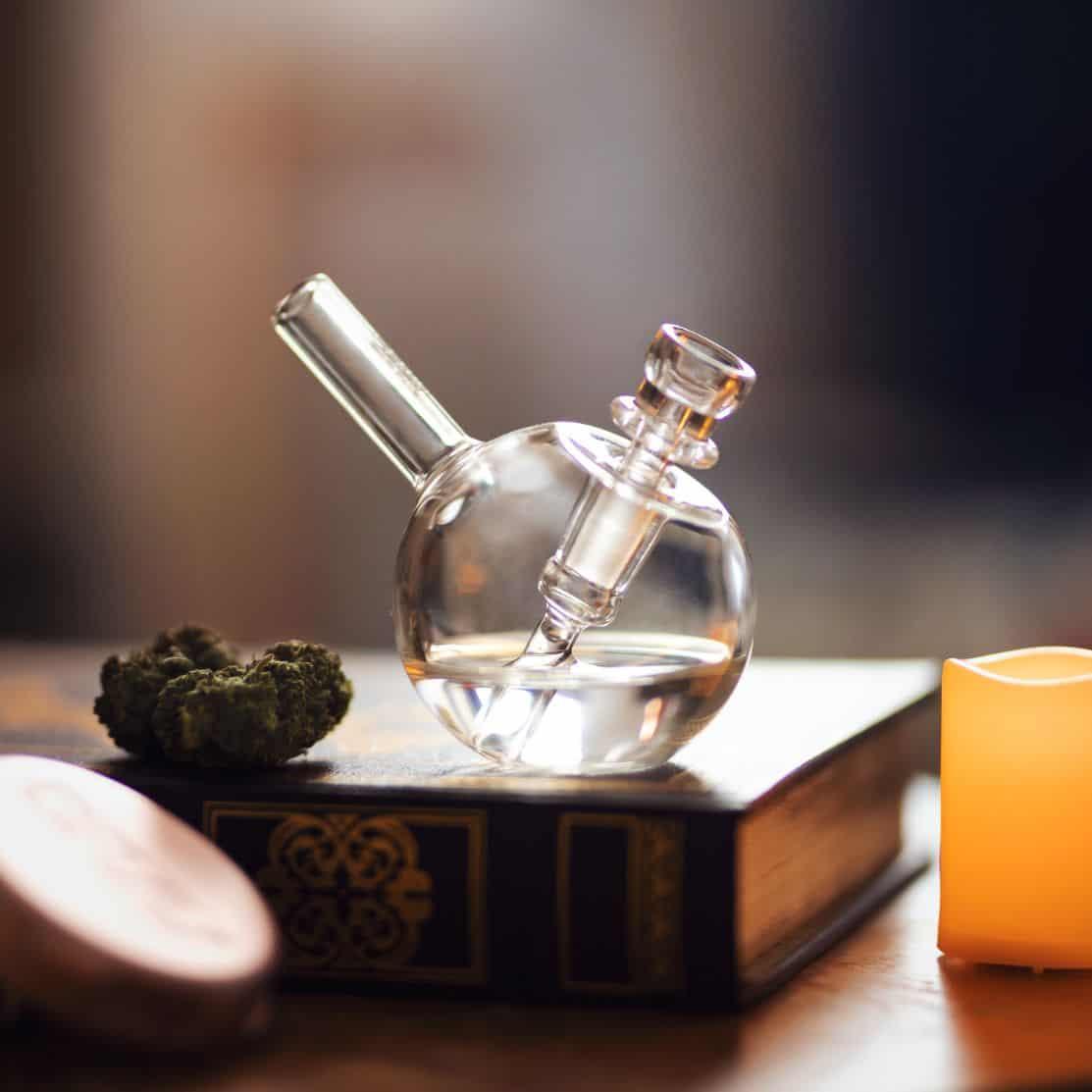 Konopie marihuana i bongo