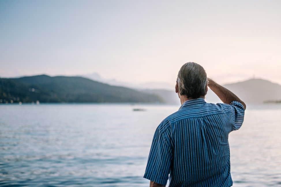 Senior nad morzem