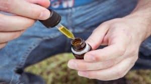 Jakie korzyści możemy czerpać z olejku CBD?